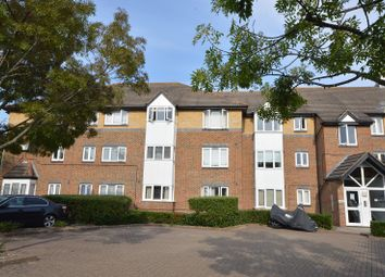 Thumbnail 1 bed flat to rent in 31 Cotswold Way, Worcester Park, Surrey.