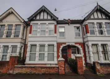 3 bed flat for sale in Beedell Avenue, Westcliff-On-Sea SS0