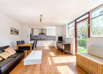 Thumbnail 1 bed flat to rent in Asher Way, Wapping