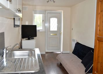 Thumbnail Studio to rent in Oakhill Close, Ashtead