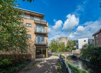 Thumbnail 2 bed flat to rent in Woodins Way, Woodins Way Oxford