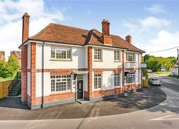 Brighton Road, Mannings Heath, Horsham RH13. 2 bed flat
