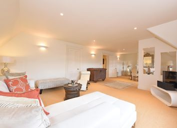 Thumbnail 4 bed flat to rent in Station Road, Henley-On-Thames