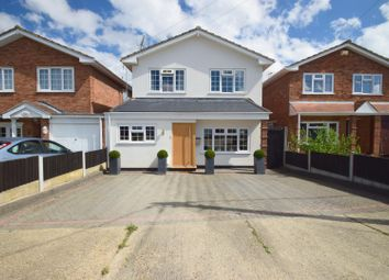 Crouch Avenue, Hullbridge, Hockley SS5. 4 bed detached house