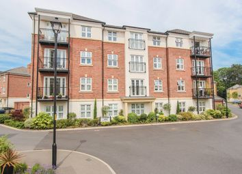 Thumbnail 2 bedroom flat to rent in Colnhurst Road, Watford