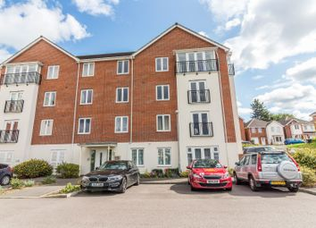 Thumbnail 2 bed flat for sale in Regis Park Road, Reading