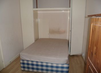 Thumbnail 2 bedroom flat to rent in Chichele Road, Cricklewood London