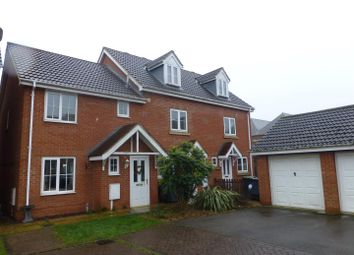 Thumbnail 3 bed town house for sale in Wheat Grove, Sleaford