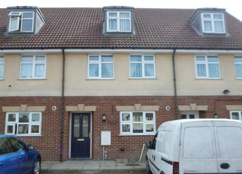 Thumbnail 3 bedroom town house to rent in Gerald Avenue, Chatham