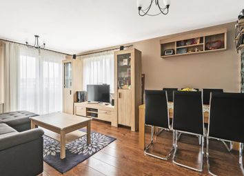 2 bed flat for sale in St. Hughs Avenue, High Wycombe HP13