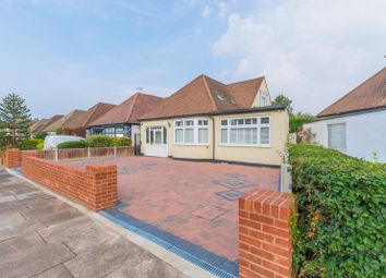 Marlborough Drive, Ilford IG5. 2 bed bungalow