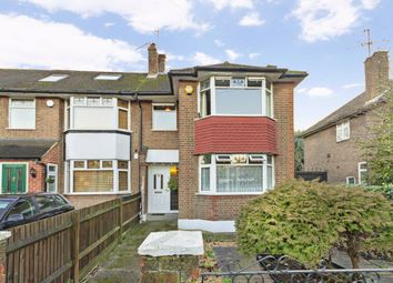 3 bed property to rent in Selborne Gardens, Perivale, Greenford UB6