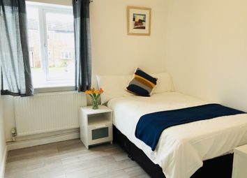 Thumbnail 5 bedroom shared accommodation to rent in Greenside, Slough
