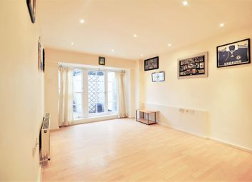 Bloomfield Road, London SE18. 1 bed flat for sale