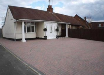 Thumbnail 3 bedroom bungalow to rent in Colemans Moor Lane, Woodley, Reading