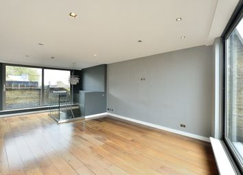 Thumbnail 1 bedroom flat to rent in Hoxton Square, London