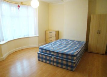 Thumbnail 4 bed property to rent in Goldsmith Road, London