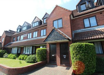 Thumbnail 1 bed flat to rent in Grange Road, Gravesend