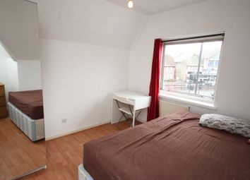 Room to rent in Old Oak Common Lane, East Acton W3