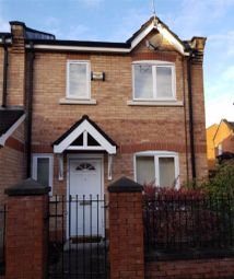3 bed end terrace house to rent in Fenn Street, Hulme, Manchester M15