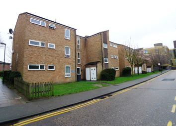 Thumbnail 2 bedroom flat to rent in Jubilee Way, Sidcup