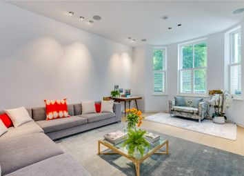 3 bed maisonette to rent in Norland Square, London W11