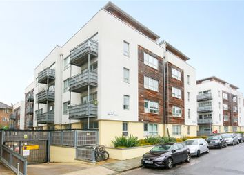 Wellend Villas, Springfield Road, Brighton, East Sussex BN1. 2 bed flat for sale