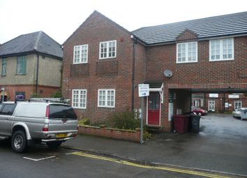 Thumbnail 1 bedroom flat to rent in Goldsmid Road, Reading