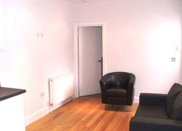 Thumbnail 2 bed flat to rent in Chapel Market, Islington