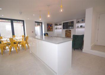 Room to rent in Alexandra Road, Reading, Berkshire RG1