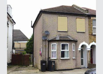 Thumbnail 2 bed maisonette for sale in Waddon Road, Croydon