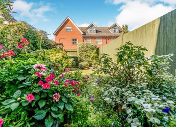 3 bed town house for sale in Juniper Drive, Weston Turville, Aylesbury HP22