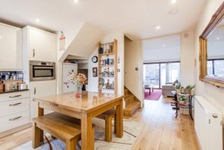 Thumbnail 3 bed town house to rent in Caledonian Road, London