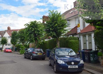3 bed flat to rent in Clifton Gardens, London NW11