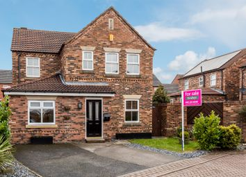 Thumbnail 4 bed detached house for sale in Kingsfield, Rothwell, Leeds