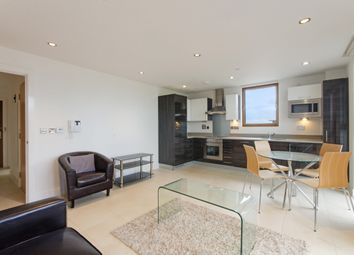Thumbnail 2 bed flat for sale in Streamlight Tower, Canary Wharf, London
