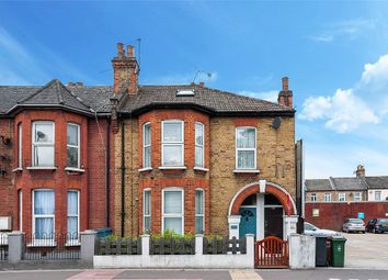 2 bed maisonette for sale in Markhouse Road, Walthamstow, London E17