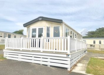 Thumbnail 2 bed mobile/park home for sale in Shorefield Country Park, Shorefield Rd, Milford On Sea, Downton, Lymington