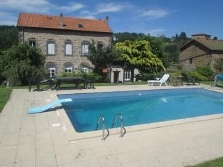 Thumbnail 8 bed country house for sale in Auzelles, Puy-De-Dome, Auvergne-Rhone-Alpes, France