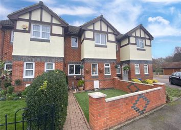 Lyndsey Close, Farnborough, Hampshire GU14. 2 bed terraced house for sale
