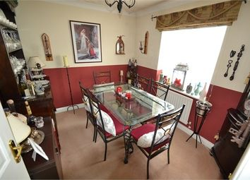 Thumbnail 5 bed detached house to rent in Hesper Road, Colchester
