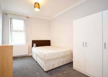 Thumbnail 3 bed flat to rent in Balham Hill, London