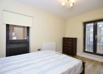 Thumbnail 1 bed flat to rent in Lodge Lane, North Finchley