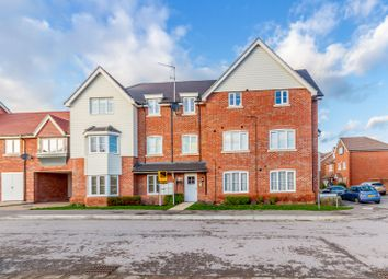 Thumbnail 2 bedroom flat for sale in Jasmine Square, Woodley, Reading