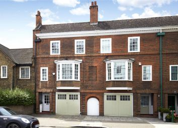 Thumbnail 4 bed terraced house for sale in Oakley Street, London