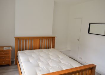 Thumbnail 5 bed maisonette to rent in Stepney Green, Whitechapel/ Stepney / Mile End