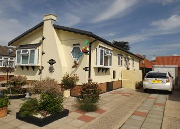 Thumbnail 2 bedroom mobile/park home for sale in Sunninghill Close, Bradwell