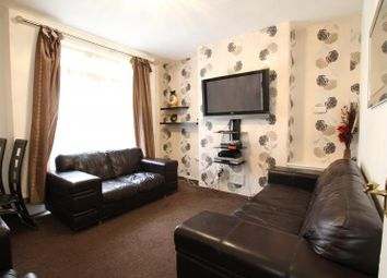 Thumbnail 2 bed flat to rent in Fieldwick House, Retreat Place, Hackney