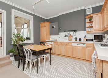 2 bed flat to rent in Worple Road Mews, London SW19