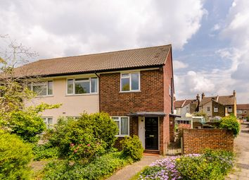 2 bed maisonette for sale in Waverley Close, Bromley BR2